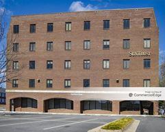 4020 University Drive - Fairfax