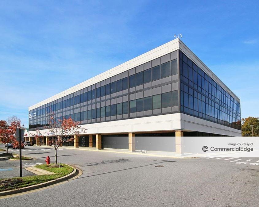 Seven Oaks Shopping Center Office Building