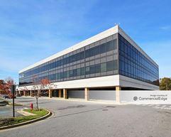 Seven Oaks Shopping Center Office Building - Odenton