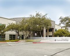 One Twin Oaks - San Antonio