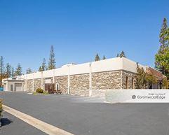 1015 East Meadow Circle - Palo Alto