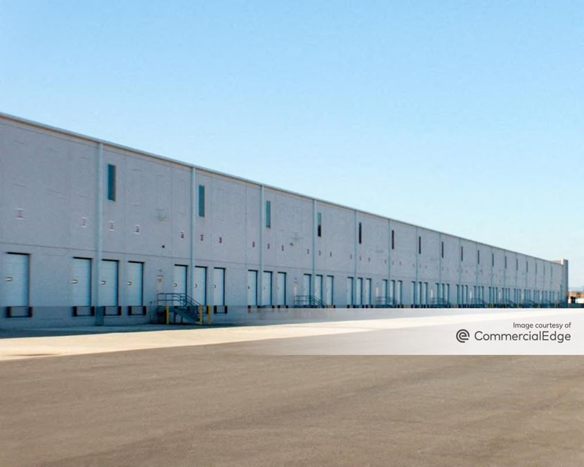 Lehigh Valley Industrial Park VII - 2485 Commerce Center Blvd
