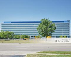GM Tech Center - 29427 Louis Chevrolet Road & 30003 Fisher Brothers Road - Warren