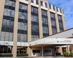 Woodlake Plaza - Houston