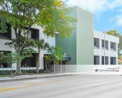 900 NE 125th Street - North Miami