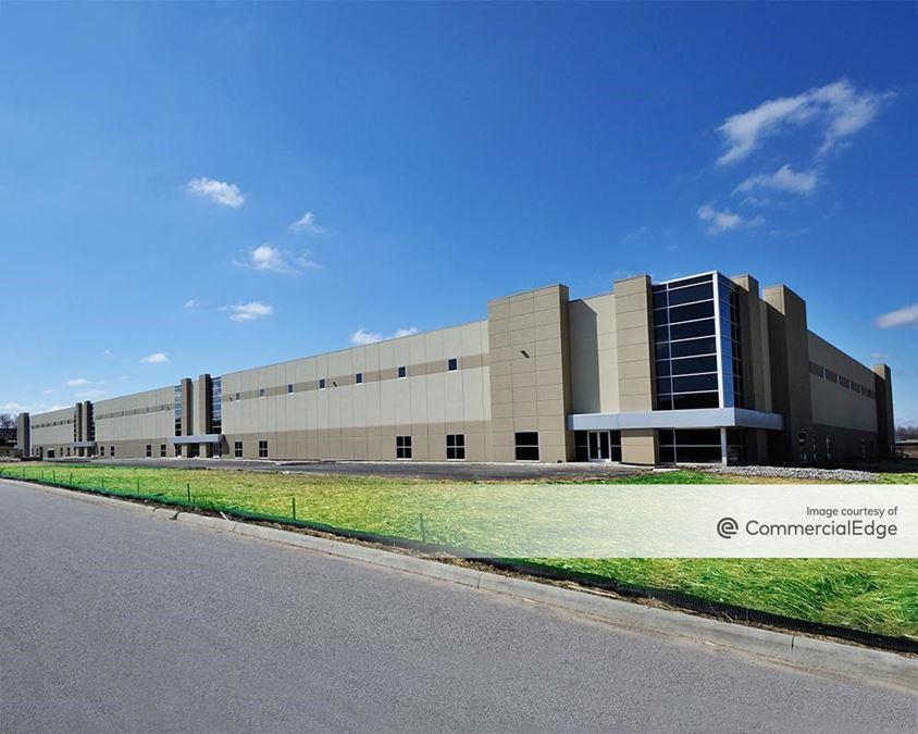 Seasons Business Center 4