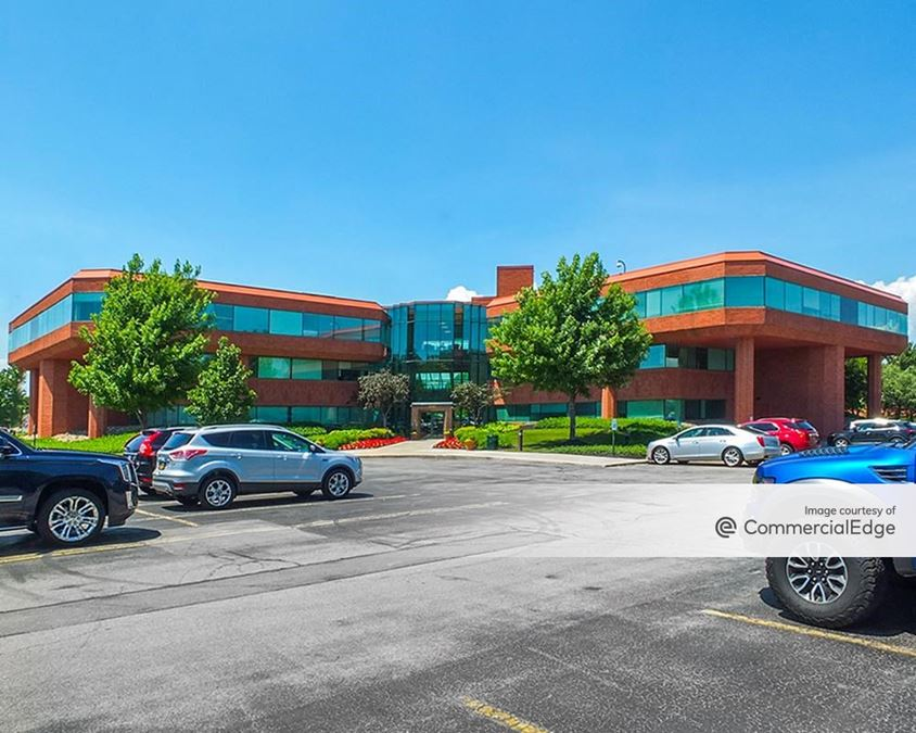 Centerpointe Corporate Park - 350 Essjay Road
