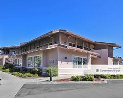 Gateway Business Center - Santa Cruz