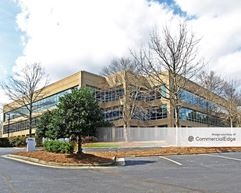 Weston Corporate Park - 6501 Weston Pkwy - Cary