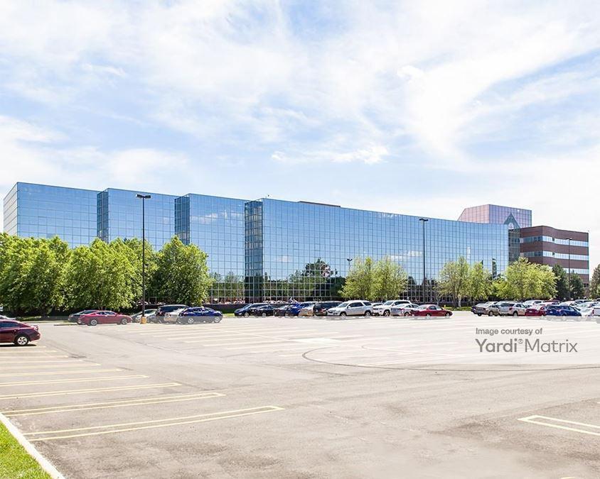 300 Galleria Officentre