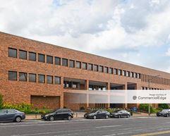 Wool Center - St. Louis