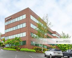 205 Corporate Center - Clackamas