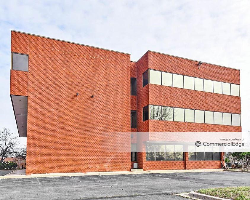 4 Taft Court Corporate Center Condominium