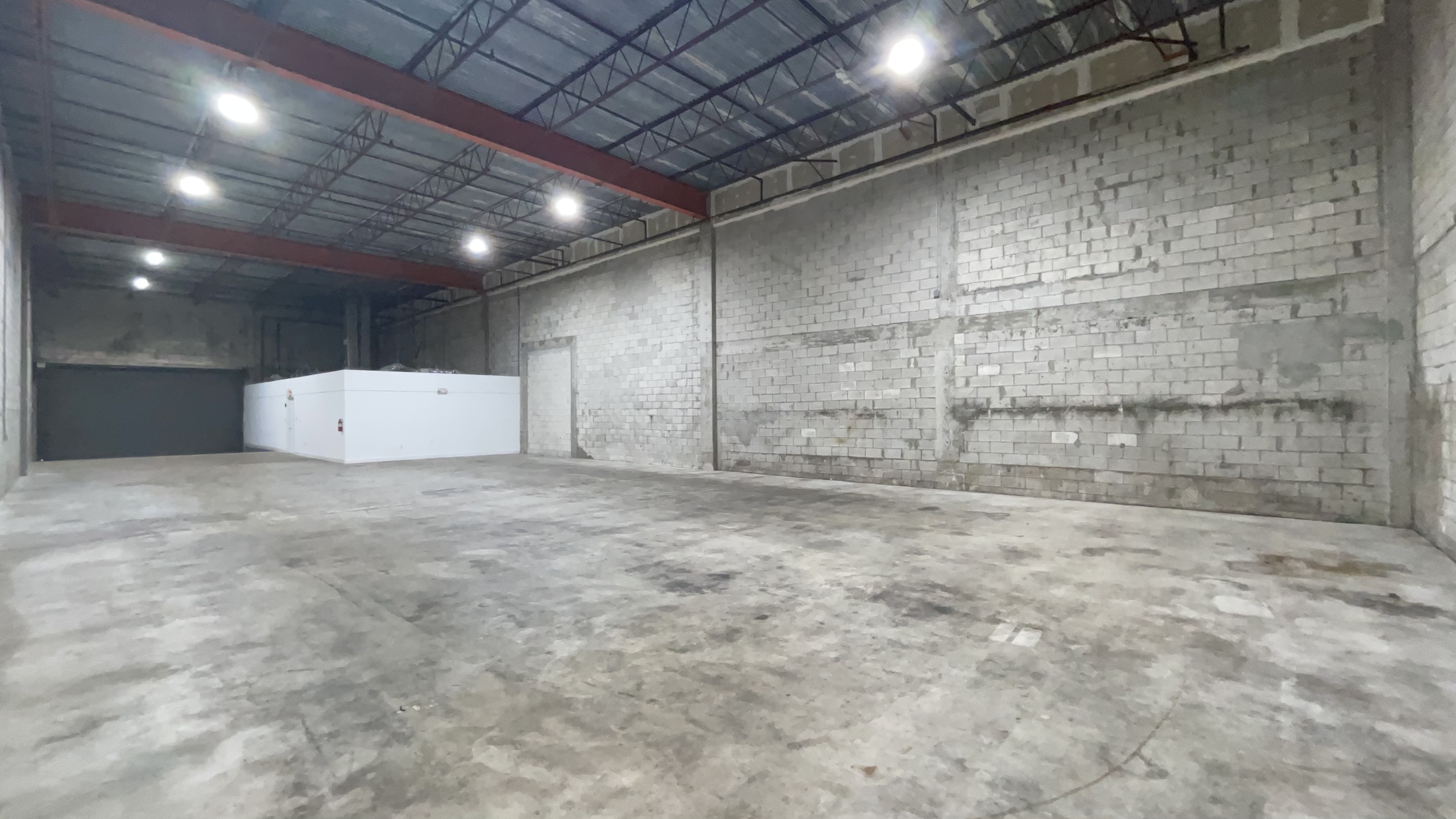5,000 SF Dock High Warehouse