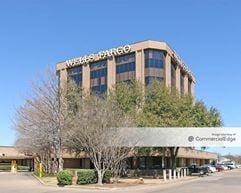 Wells Fargo Bank Building - Waco