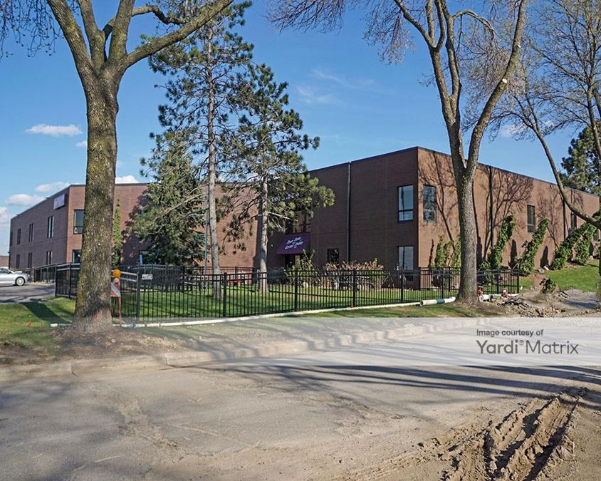 60 Marie Avenue East