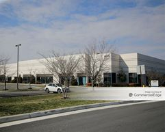 Airport Commerce Center - 22695, 22704, 22705, 22712 & 22713 Commerce Center Court - Sterling