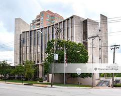 135 North Meramec Avenue - St. Louis