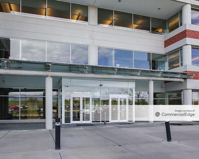 Governor's Pointe - 4241 Irwin Simpson Road