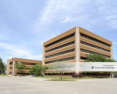 Corporate Centre - Lansing