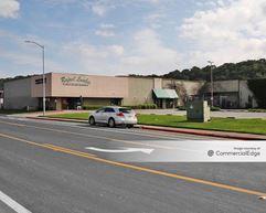 920 & 930 Andersen Drive - San Rafael