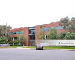 Atrium Building - Bakersfield