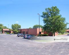 College Corporate Meadows - Lenexa