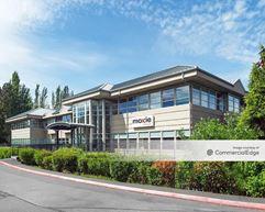 15 Lake Bellevue Drive - Bellevue
