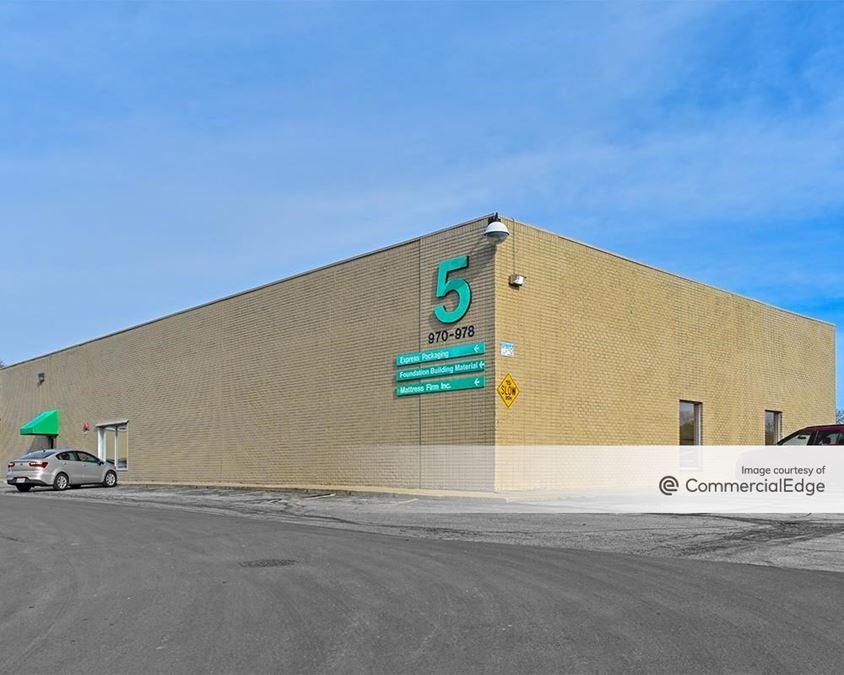 Freeway Business Park - 940-950 & 970-978 Freeway Drive North