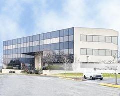 Holmdel Corporate Plaza - Holmdel