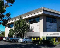 Oak Valley Business Center - 463 & 475 Aviation Blvd - Santa Rosa