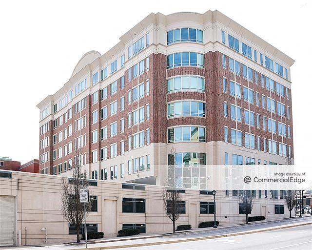 11 North Washington Street