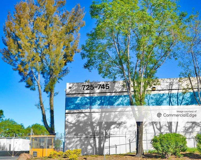 Elmhurst Business Park - 725 & 745 85th Avenue