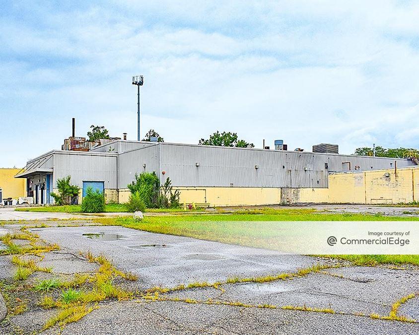 11177 East 8 Mile Road & 21551 Mullin Avenue