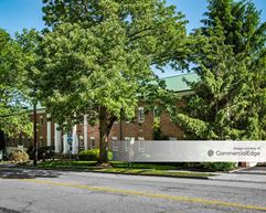 LVP Professional Building - Maplewood