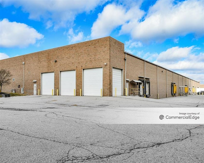 Roberts Road Industrial Park - 2200-2380 International Street