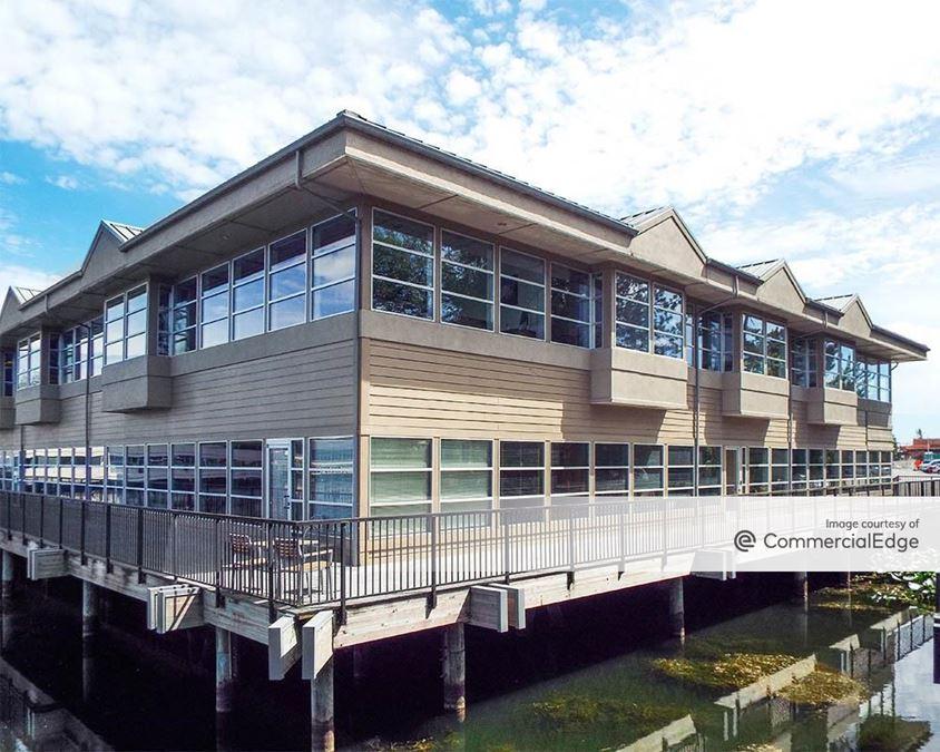 15 Lake Bellevue Drive