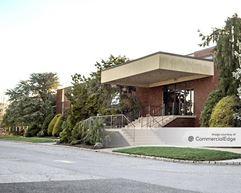 251 Monroe Avenue - Kenilworth