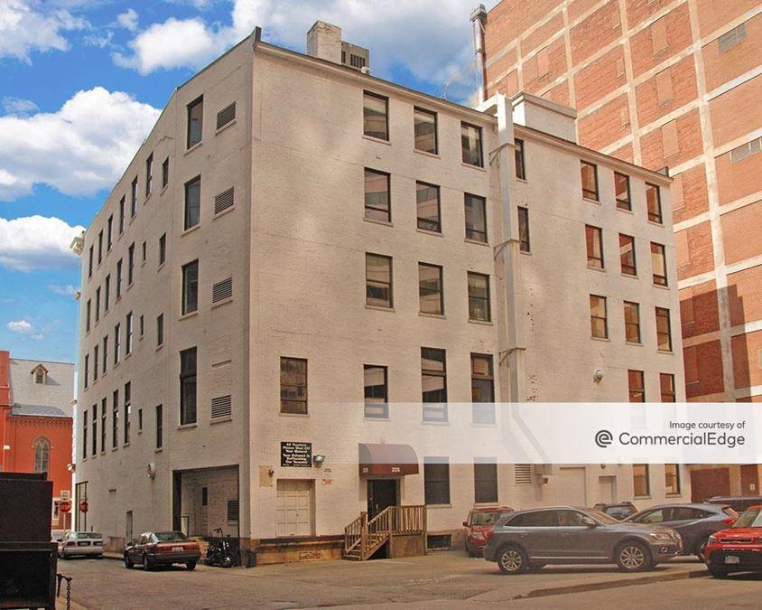 225 East 6th Street