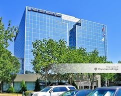 Executive Hills East - 901 East 104th Street - Kansas City
