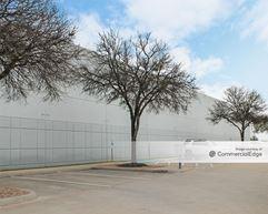 4007, 4009 & 4117 Commercial Center Drive - Austin