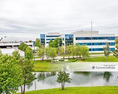 Balmoral Business Campus of Rosemont - 5400 Pearl Street - Rosemont