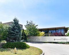 Cedar Creek Corporate Park - 25501 West Valley Pkwy - Olathe