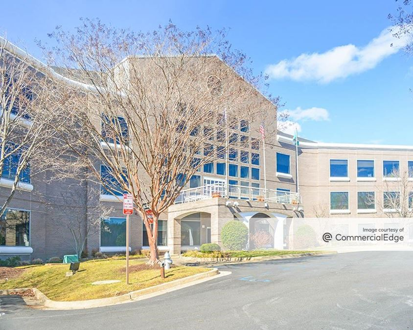 Innsbrook Corporate Center - Lakeview Center