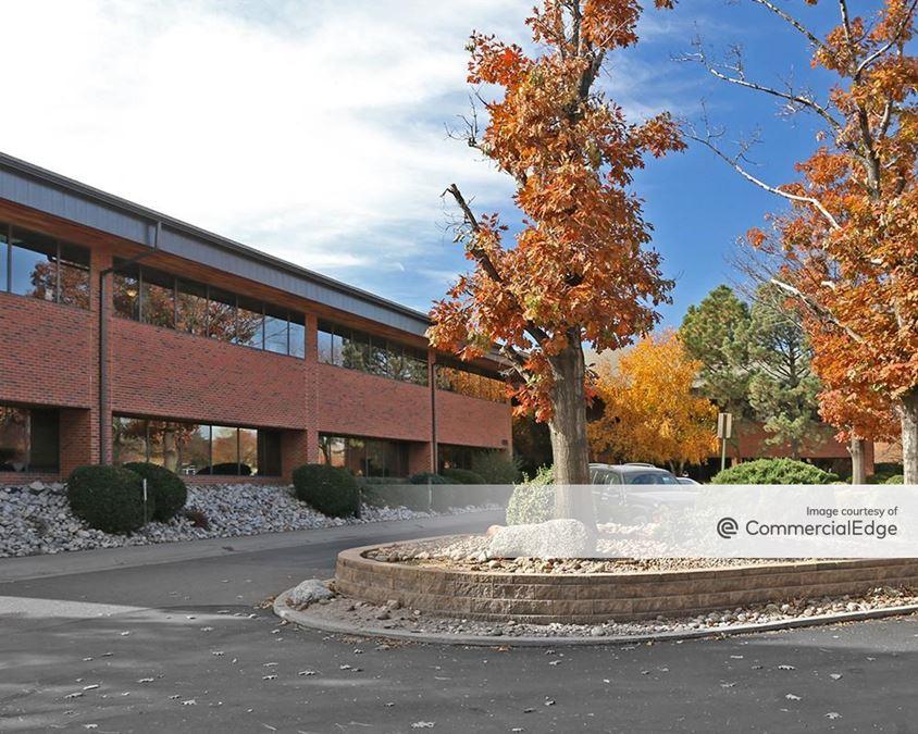 70 Executive Center - 4851 Independence Street