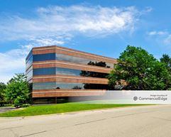 Buffalo Grove Business Park - 750 Lake Cook Road - Buffalo Grove