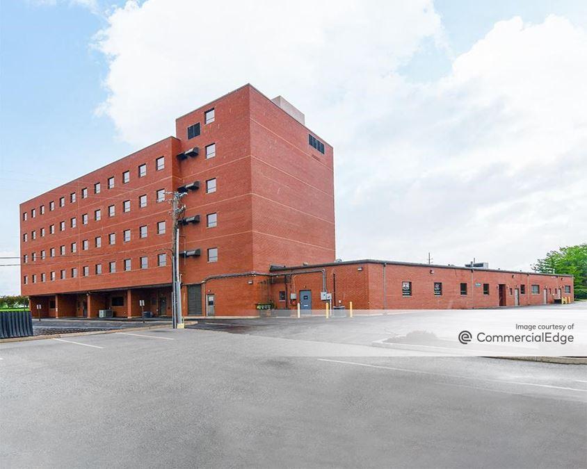4-68 Crestwood Executive Center
