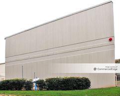 Park North Business Center - 696 Park North Blvd - Scottdale