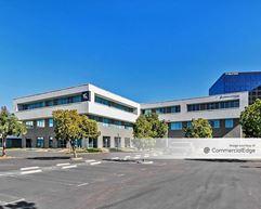 Centerpointe Irvine - Irvine