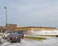 Howell Avenue Office Campus - 6744 South Howell Avenue - Oak Creek